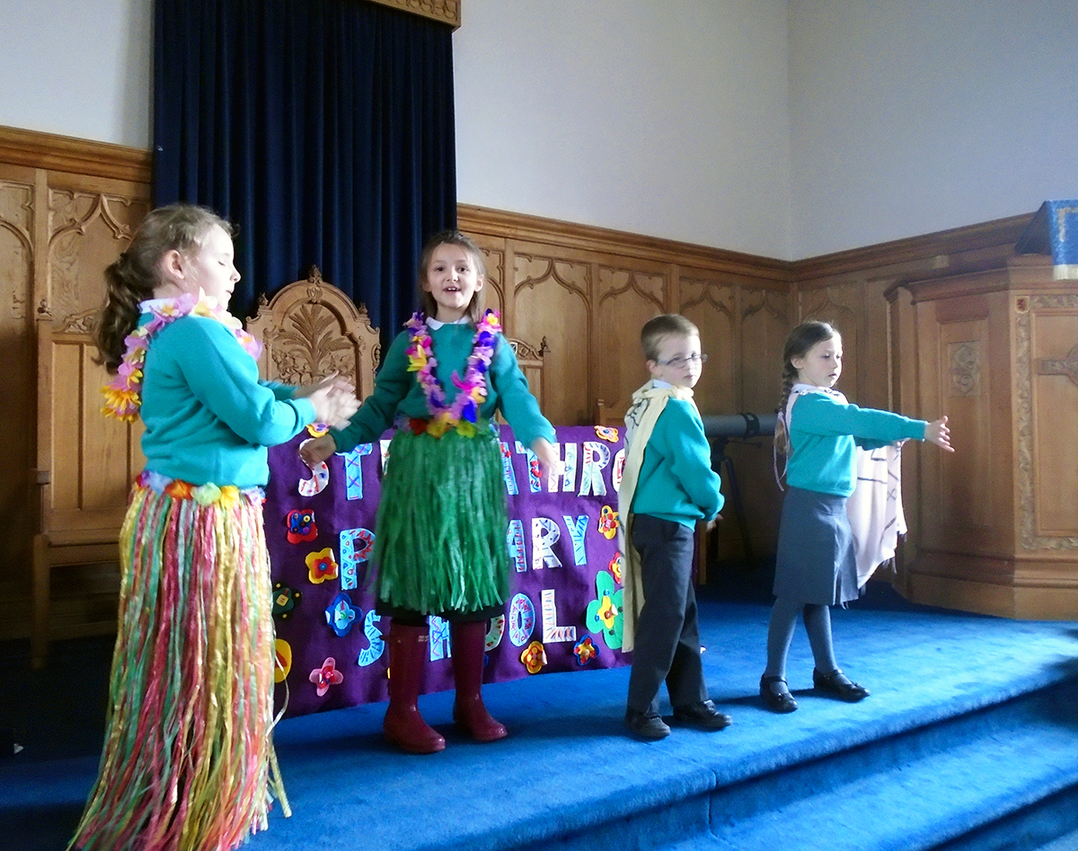 Stracathro Primary Church Service Easter 2016 - 07