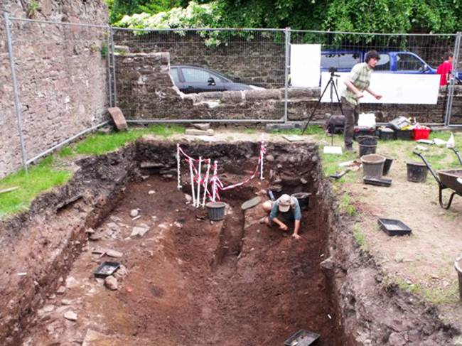Brechin Cathedral Archaeological Dig 23 June 2010