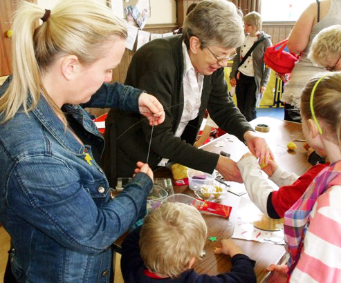 Messy Church 105