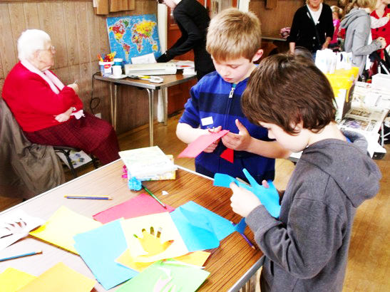 Messy Church 130