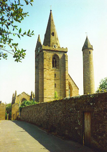 Brechin-Cathedral-and-Round-Tower